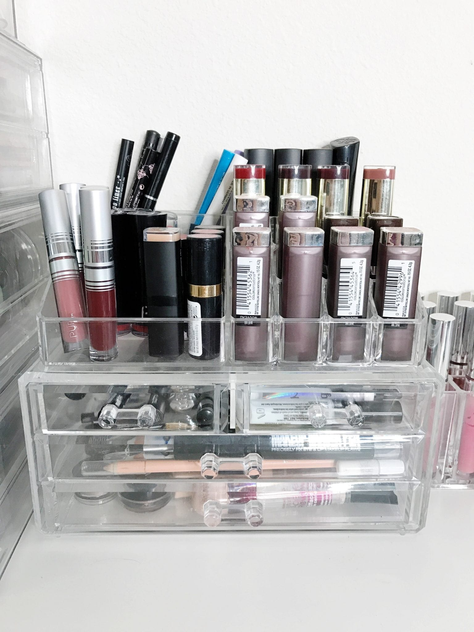 Source Veroniquedrougardcom How I Store My Makeup