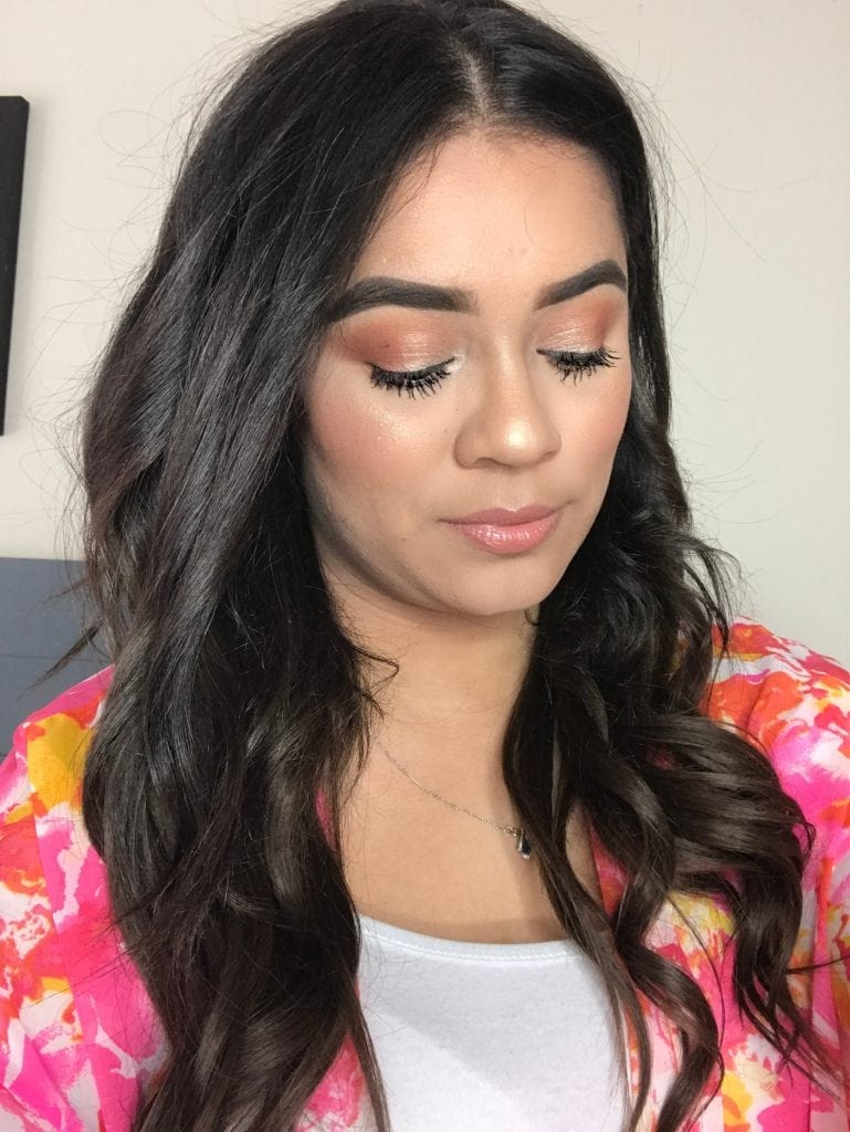 Simple Peach Glowy Makeup