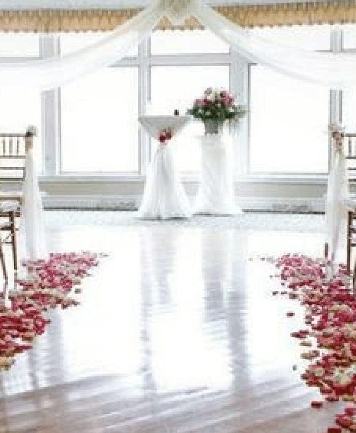 3 Tips Before Booking Your Wedding Venue